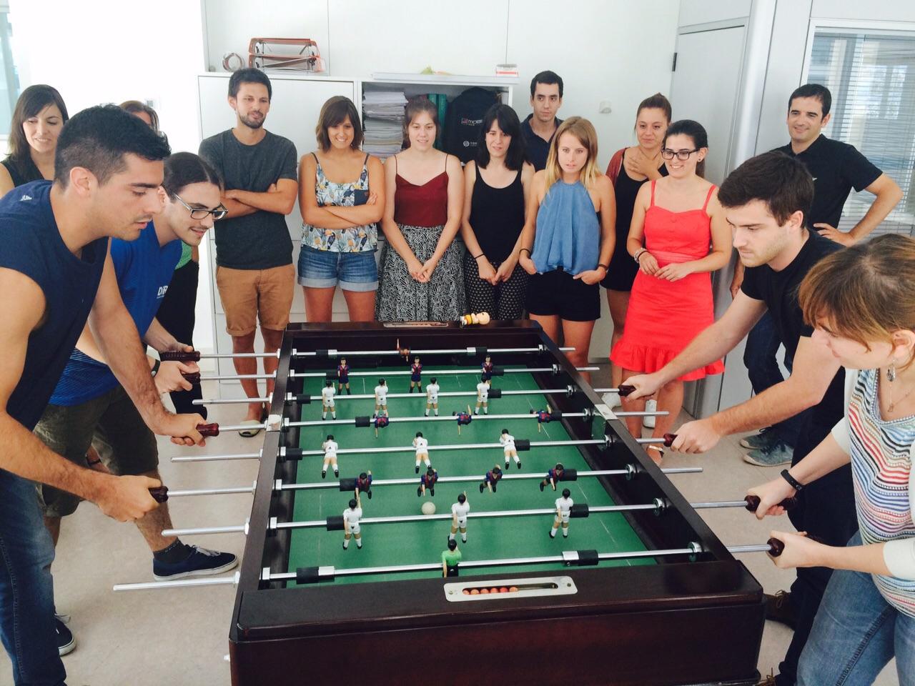 Partida-de-futbolin-el-doble-impacto-en-la-empresa-2