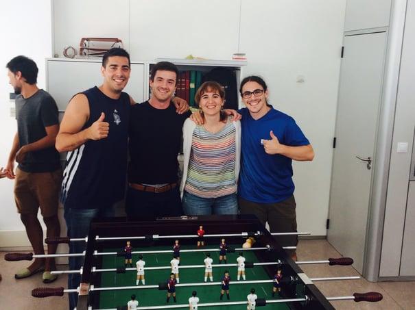 Partida-de-futbolin-el-doble-impacto-en-la-empresa