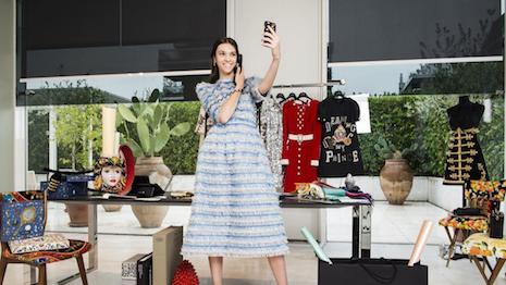 Dolce & Gabbana campaña internacional de publicidad online en redes sociales 2016
